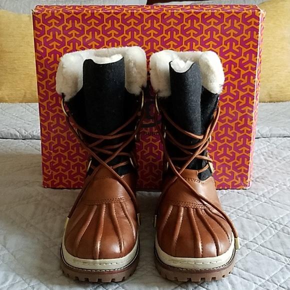 051884f73d08 Tory Burch Duck Boot. M 5b7df41b534ef92b2c914982